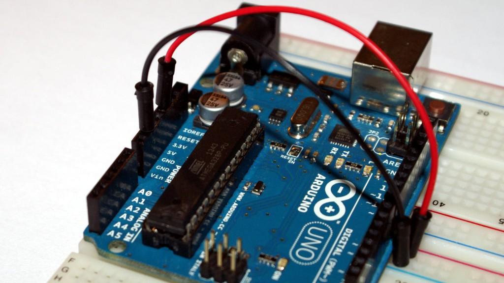 Podłącz pin 3.3V do płytki