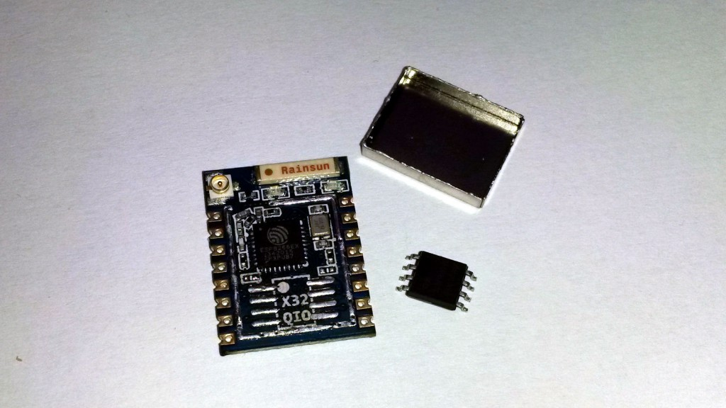 ESP8266-07 ze zdjętym ekranem